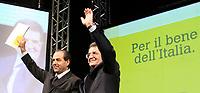 Roma 11 02 2006 Unione:Presentazione del Programma 2006-2011<br /> Nella foto il segretario dell'Italia dei Valori Antonio Di Pietro e il leader dell'Unione Romano Prodi<br /> Photo Serena Cremaschi Insidefoto
