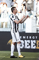 Calcio, Serie A: Torino, Allianz Stadium, 19 agosto 2017. <br /> Juventus' Mario Mandzukic celebrates after scoring during the Italian Serie A football match between Juventus and Cagliari at Torino's Allianz Stadium, August 19, 2017.<br /> UPDATE IMAGES PRESS/Isabella Bonotto