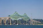 The Conde D. McCullough Memorial Bridge in Coos Bay on the Oregon Coast..#06061248