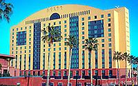 Michael Graves: Hyatt Hotel, Aventine Complex. San Diego.  Photo '04.