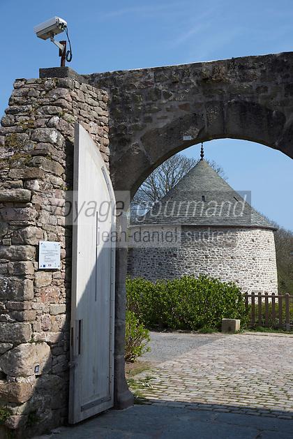 Europe/France/Normandie/Basse-Normandie/50/Manche/Cap de la Hague/Omonville-la-Rogue: Manoir du Tourp - Le pigeonnier - Le Tourp est une ancienne ferme seigneuriale de la Manche, située à Omonville-la-Rogue, transformée en espace culturel.// Europe/France/Normandie/Basse-Normandie/50/Manche/Cap de la Hague/Omonville-la-Rogue: Tourp Manor