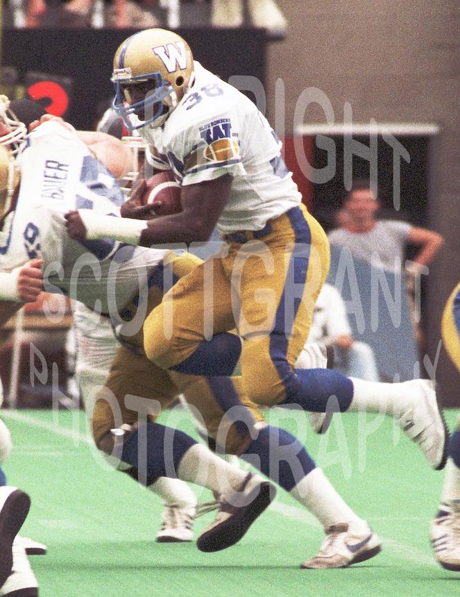 Willard Reaves Winnipeg Blue Bombers running back 1985. Copyright photograph Scott Grant