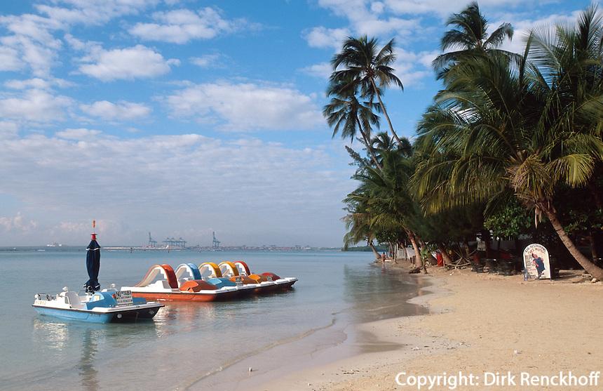 Dominikanische Republik,  Strand Playa de Boca Chica 30km östlich von Santo Domingo