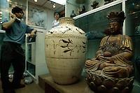 China, Hongkong-Central, Antiquitätengeschäft