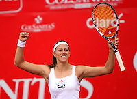 BOGOTA-COLOMBIA-20-02-2013  .Mariana Duque de Colombia celebra su victoria sobre la española Estrella Cabeza y se enfrentara en la sigueinte ronda  a la serbia Jelena Jankovic en la XXI Copa WTA  Clraro- Colsánitas de tenis . Mariana Duque of Colombia celebrates his victory over the Spanish Estrella Cabeza and will face in the next round to Jelena Jankovic of Serbia in the XXI-Mariana Duque of Colombia celebrates his victory over the Spanish Estrella Cabeza and will face in the next round to Jelena Jankovic of Serbia in the XXI-Colsanitas Cup WTA tennis course.. .(Photo / VizzorImage / Felipe Caicedo / Staff).