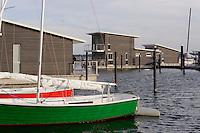 Schwimmende Ferienhäuser in  Lauterbach bei Putbus auf Rügen, Mecklenburg-Vorpommern, Deutschland