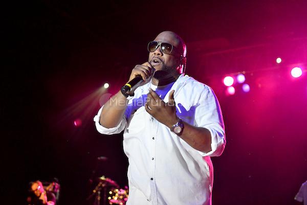 POMPANO BEACH, FL - DECEMBER 02: Wanya Morris of Boyz II Men performs onstage at Pompano Beach Amphitheatre on December 2, 2016 in Pompano Beach, Florida. Credit: MPI10 / MediaPunch
