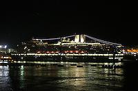 Niew Amsterdam im Hafen von San Juan am Abend