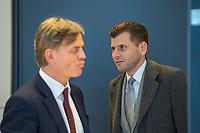AfD im Bundestag.<br /> Im Bild vlnr.: Bernd Baumann, Parlamentarischer Geschaeftsfuehrer der AfD-Bundestagsfraktion und AfD-Pressechef Christian Lueth bei einem Pressestatement. Baumann wurde zur Meinung der AfD zur Vereinbarung zwischen CDU/CSU und SPD bei den Koalitionsverhandlungen zum Familiennachzug gefragt, der in den Verhandlungen am Vorabend beschlossen wurde. Er wusste nichts von der Vereinbarung, betonte aber, dass die AfD gegen diese Vereinbarung sei.<br /> .30.1.2018, Berlin<br /> Copyright: Christian-Ditsch.de<br /> [Inhaltsveraendernde Manipulation des Fotos nur nach ausdruecklicher Genehmigung des Fotografen. Vereinbarungen ueber Abtretung von Persoenlichkeitsrechten/Model Release der abgebildeten Person/Personen liegen nicht vor. NO MODEL RELEASE! Nur fuer Redaktionelle Zwecke. Don't publish without copyright Christian-Ditsch.de, Veroeffentlichung nur mit Fotografennennung, sowie gegen Honorar, MwSt. und Beleg. Konto: I N G - D i B a, IBAN DE58500105175400192269, BIC INGDDEFFXXX, Kontakt: post@christian-ditsch.de<br /> Bei der Bearbeitung der Dateiinformationen darf die Urheberkennzeichnung in den EXIF- und  IPTC-Daten nicht entfernt werden, diese sind in digitalen Medien nach §95c UrhG rechtlich geschuetzt. Der Urhebervermerk wird gemaess §13 UrhG verlangt.]