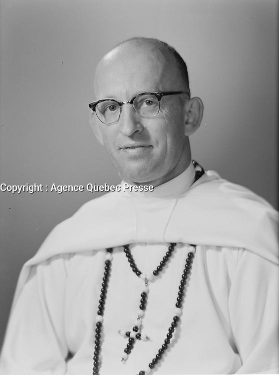 Monseigneur Jobidon, 1961<br /> (date exacte inconnue)<br /> <br /> PHOTO :   agence Quebec Presse  - Lefaivre & Desroches