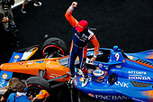 #9: Scott Dixon, Chip Ganassi Racing Honda celebrates