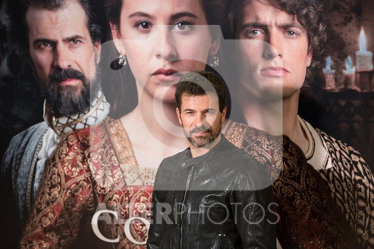 Spanish actor Rodolfo Sancho poses during `La corona partida´ film presentation in Madrid, Spain. February 16, 2016. (ALTERPHOTOS/Victor Blanco)