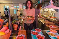 Europe, France, Ile de France, 75002, Paris: Miss Banh Mi: 5, rue Mandar,  (pour le côté casse croûte fusion), pain d'E.Kayser, garnitures fusion. Le sandwich version franco-vietnamienne, Hinda Tobni