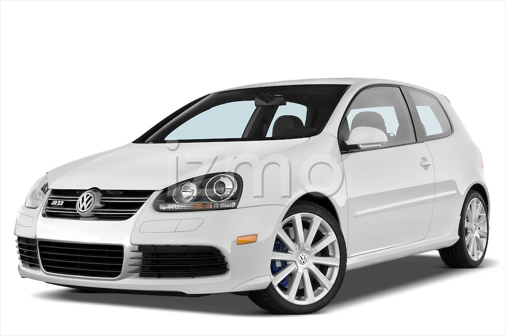 Low aggressive front three quarter view of a 2008 Volkswagen r32.