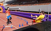 Nederland Amsterdam - 2018. De Johan Cruyff Foundation dag in Amsterdam. Een sportdag voor jongeren mét en zonder beperking in het Olympisch Stadion. Hoogspringen.  Foto mag niet in schadelijke context voor de gefotografeerde personen worden gepubliceerd.   Foto Berlinda van Dam / Hollandse Hoogte