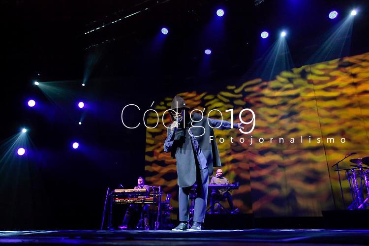 """SÃO PAULO, SP 12.04.2019: DJAVAN-SP - O cantor Djavan, se apresentou na noite desta sexta (12), no Credicard Hall, zona sul da capital paulista. O show faz parte da turnê nacional de """"Vesúvio"""", o vigésimo quarto álbum da carreira. (Foto: Ale Frata/Codigo19)"""