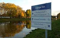 Farbiger Herbst am Wasser in Leipzig - Wassersport ist nur im Winter nicht möglich. <br /> <br />  Foto: Norman Rembarz