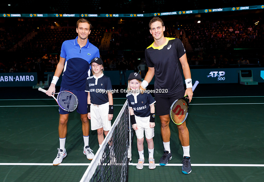 Rotterdam, The Netherlands, 12 Februari 2020, ABNAMRO World Tennis Tournament, Ahoy. Daniil Medvedev (RUS), Vasek Pospisil (CAN). <br /> Photo: www.tennisimages.com