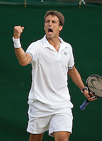 26-6-09, England, London, Wimbledon, 26-6-09, England, London, Wimbledon, Tommy Robredo