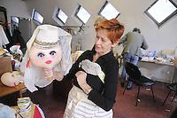 - Milano, il teatro di Gianni e Cosetta Colla, compagnia di marionette ed attori; laboratorio per la costruzione delle marionette..... Milan, the the theater of Gianni and Cosetta Colla, company of puppets and actors; atelier for construction of the puppets
