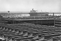 - Genova, lo stabilimento Esacontrol e l'area portuale (aprile 1986)<br /> <br /> - Genoa, the plant Esacontrol and port area (April 1986)