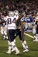 Wide Receiver Randy Moss (Patriots) feiert mit Tight End Benjamin Watson (Patriots) seinen Touchdown<br /> New York Giants vs. New England Patriots<br /> *** Local Caption *** Foto ist honorarpflichtig! zzgl. gesetzl. MwSt. Auf Anfrage in hoeherer Qualitaet/Aufloesung. Belegexemplar an: Marc Schueler, Am Ziegelfalltor 4, 64625 Bensheim, Tel. +49 (0) 6251 86 96 134, www.gameday-mediaservices.de. Email: marc.schueler@gameday-mediaservices.de, Bankverbindung: Volksbank Bergstrasse, Kto.: 151297, BLZ: 50960101