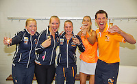 Netherlands, Den Bosch, April 18 2015 Maaspoort, Fedcup Netherlands-Australia,  The Dutch team defeats Australia and celebrate, l.t.r. Michaëlla Krajicek, Kiki Bertens, Richel Hogenkamp, Arantxa Rus and captain Paul Haarhuis<br /> Photo: Tennisimages/Henk Koster