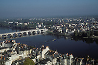 Europe/France/Pays de la Loire/Maine-et-Loire/Saumur : Vue depuis le chateau - La Loire
