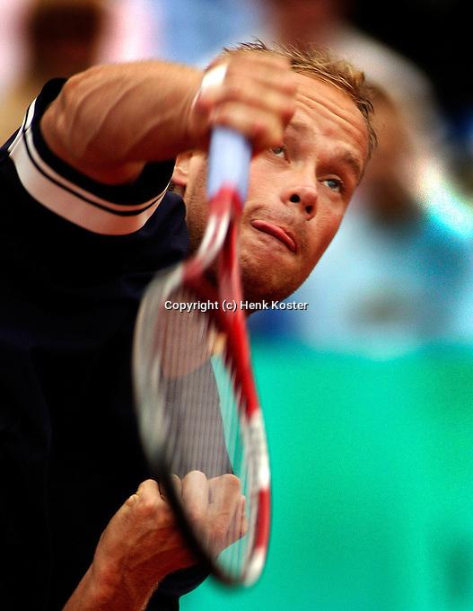 16-07-2004, Amersfoort, Tennis, Priority Dutch Open, Martin Verkerk in actie tegen David Sanchez