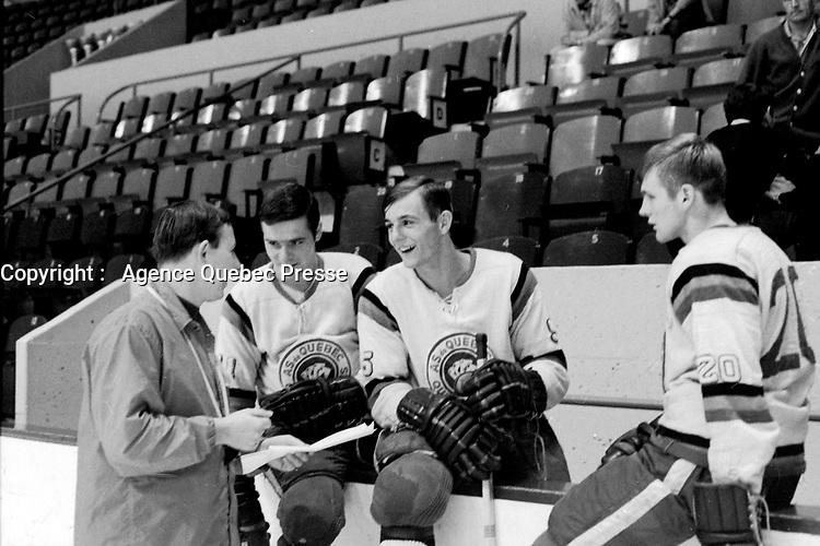 Guy Lafleur a l'entrainement, Entre le 30 septembre et le 6 octobre 1968<br /> <br /> Photographe : Photo Moderne<br /> - Agence Quebec Presse
