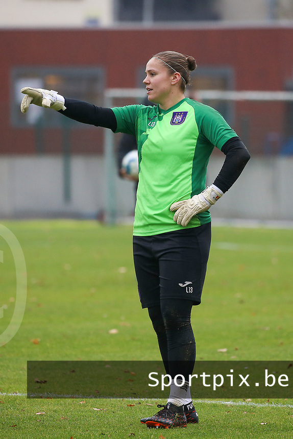 Goalkeeper Justien Odeurs (13 Anderlecht) points during the warm up before a female soccer game between FC Femina WS Woluwe and RSC Anderlecht Women on the eight match day of the 2020 - 2021 season of Belgian Women's Super League , Sunday 22nd of November 2020  in Woluwe, Belgium . PHOTO SPORTPIX.BE | SPP | SEVIL OKTEM