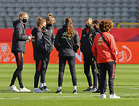 Belgian players inspecting the pitch of the Koning Boudewijnstadion pictured before a Womens International Friendly game between Belgium , called the Red Flames and Norway at Koning Boudewijnstadion in Brussels , Belgium. PHOTO: SPORTPIX.BE | SPP | SEVIL OKTEM