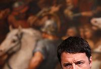 Il presidente del Consiglio Matteo Renzi tiene una conferenza stampa col presidente della Commissione Europea a Palazzo Chigi, Roma, 26 febbraio 2016.<br /> Italian Premier Matteo Renzi attends a joint press conference with  European Commission's President at Chigi Palace, Rome, 26 February 2016.<br /> UPDATE IMAGES PRESS/Riccardo De Luca