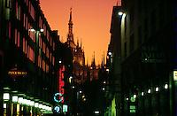 - corso Vittorio Emanuele e la cattedrale il Duomo....- Vittorio Emanuele avenue and the cathedral the Duomo