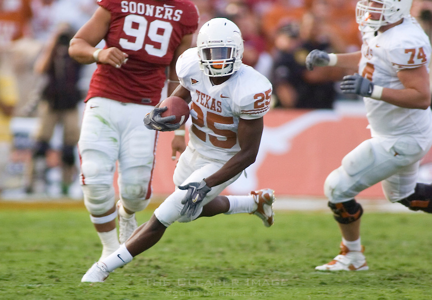 07 October 2006: Texas back Jamaal Charles (#25) turns up field with the ball during the Longhorns 28-10 victory over the University of Oklahoma Sooners at the Cotton Bowl in Dallas, TX.