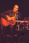 Hoyt Axton 1974 at The Troubadour.© Chris Walter.