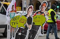 """Mit einer Kundgebung der Dienstleistungsgewerkschaft ver.di unter dem Motto """"Freie Traeger - Faire Löhne - Aufwertung jetzt!"""" am Dienstag den 16. Maerz 2021 vor dem Roten Rathaus in Berlin, protestierten Beschaeftigte der freien und frei-gemeinnuetzigen Traeger der sozialen Arbeit fuer die Angleichung ihrer Gehaelter an den Tarifvertrag der Laender.<br /> Aufgrund der Coronapandemie hatte die Gewerkschaft eine Grossbildleinwand vor dem Roten Rathaus aufgebaut, auf ueber die die Gewerkschaftsmitglieder von zuhause aus virtuell an der Kundgebung teilnahmen.<br /> 16.3.2021, Berlin<br /> Copyright: Christian-Ditsch.de"""