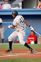 August 15, 2009:  Third Baseman Jimmy Paredes of the Staten Island Yankees during a game at Dwyer Stadium in Batavia, NY.  Staten Island is the Short-Season Class-A affiliate of the New York Yankees.  Photo By Mike Janes/Four Seam Images