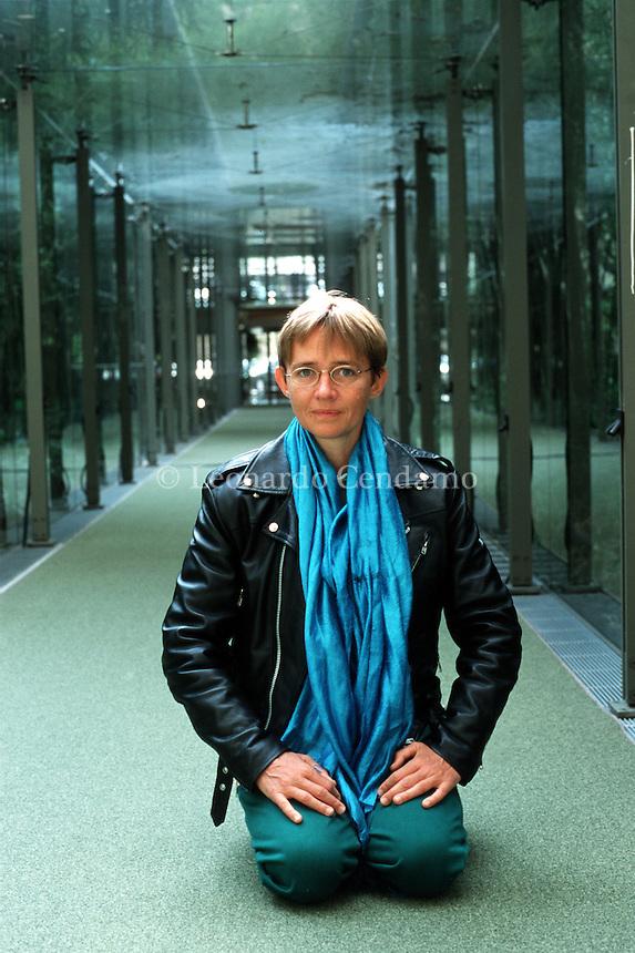 2001: SUSANNA TAMARO, WRITER  © Leonardo Cendamo