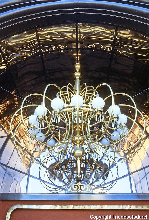Las Vegas: Barbary Coast--outdoor chandelier. Photo '79.