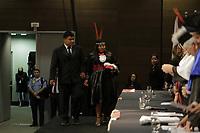 Solenidade de formatura de 72 integrantes dos povos indigenas Tembe, Gaviao e Surui Aikewara. Esta e a primeira turma do curso de Licenciatura Intercultural Indigena da Universidade do Estado do Para (UEPA). A cerimonia, foi adaptada as tradicoes de cada tribo e realizada no Hangar Centro de Convencoes da Amazonia, em Belem do para, neste dia 19 de abril, dia do indio.<br />Foto: Tarso Sarraf