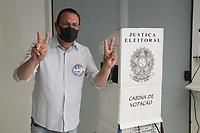 Campinas (SP), 29/11/2020 - Eleições-SP - O candidato a prefeitura de Campinas, interior de São Paulo, Rafa Zimbaldi (PL), votou na manhã deste domingo (29) na escola Progresso no bairro do Cambuí.