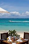MUS, Mauritius, Poste de Flacq, Belle Mare Plage Resort: Restaurant am Strand | MUS, Mauritius, Poste de Flacq, Belle Mare Plage Resort: restaurant at the beach