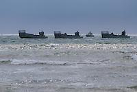 - landing exercise of S.Marco battalion  infantrymen on Civitavecchia beach ....- esercitazione di sbarco dei fanti di marina del battaglione S.Marco sulla spiaggia di Civitavecchia