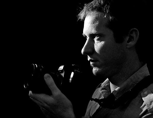 Award-winning photographer Tomas van Houtryve, June 29, 2009, Sacramento, CA. (photo by Pico van Houtryve)