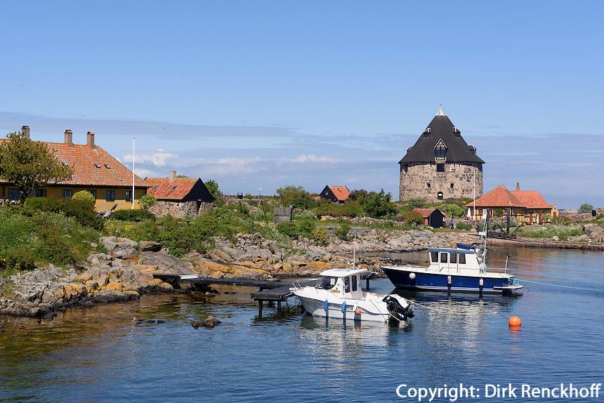 Lille Tårn (Kleiner Turm) auf Frederiksø, Ertholmene (Erbseninseln) bei Bornholm, Dänemark, Europa<br /> Lille Tårn (little tower) on Frederiksø, Ertholmene, Isle of Bornholm Denmark