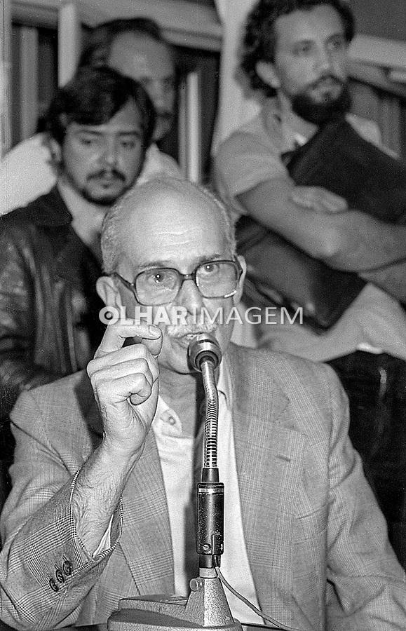 Antonio Candido, novos filiados ao PT, Assembleia Legislativa, São Paulo. 1981. Foto Agencia F4.