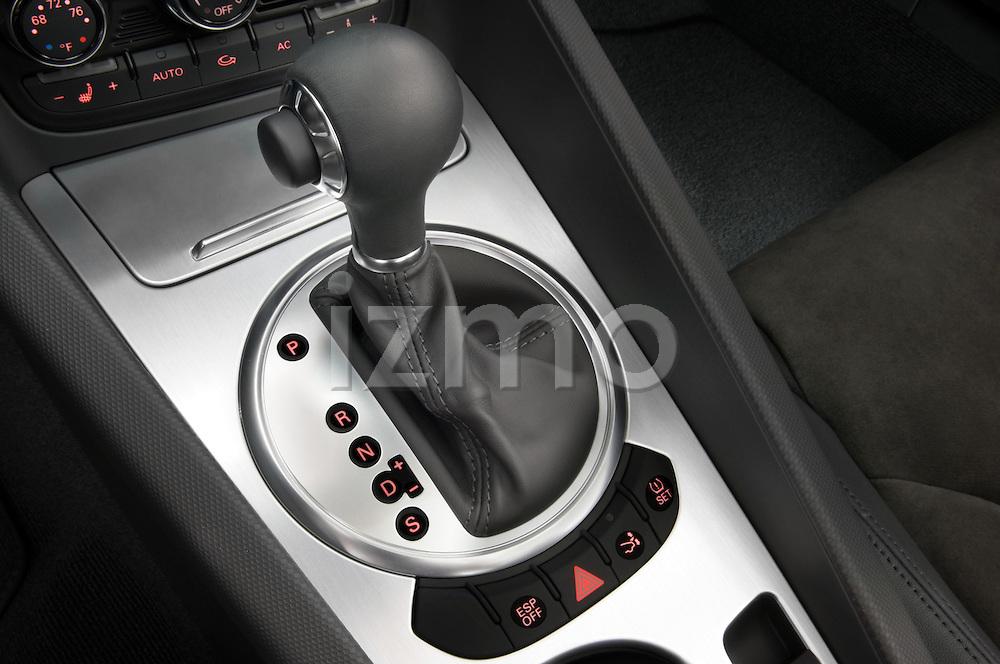 Gear shift close up detail of a 2007 - 2010 Audi TT Roadster