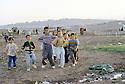 Irak 2000.Des enfants de Kurdes rentrant d'Iran au camp de Talahi.Iraq 2000.Displaced children in Talahi camp