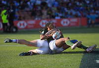 South Africa's Justin Geduld scores during the men's pool match against England. Day one of the 2020 HSBC World Sevens Series Hamilton at FMG Stadium in Hamilton, New Zealand on Saturday, 25 January 2020. Photo: Dave Lintott / lintottphoto.co.nz